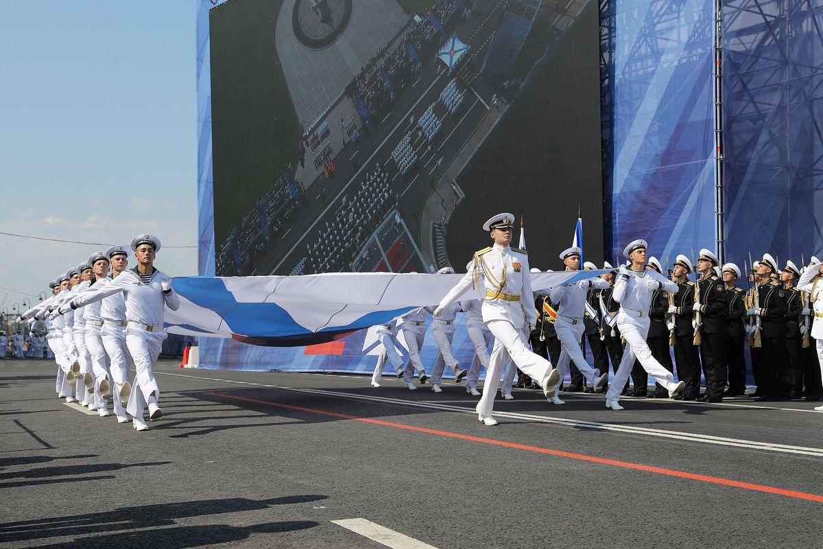 Андрей Воробьев губернатор московской области - Губернатор посетил парад в честь Дня Военно-Морского флота