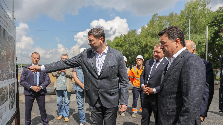 Связать части города: губернатор проконтролировал строительство Западного объезда Сергиева Посада