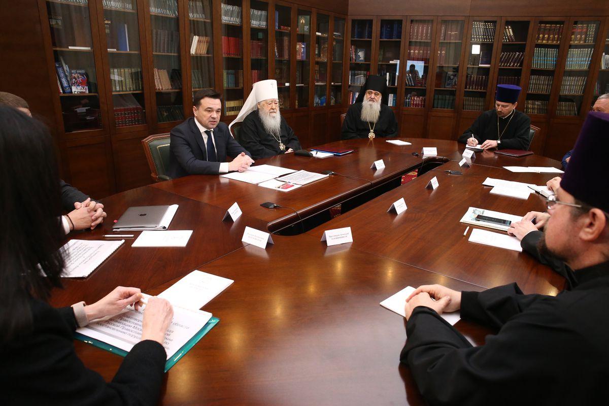 Андрей Воробьев губернатор московской области - Заседание попечительского совета Фонда по восстановлению порушенных святынь