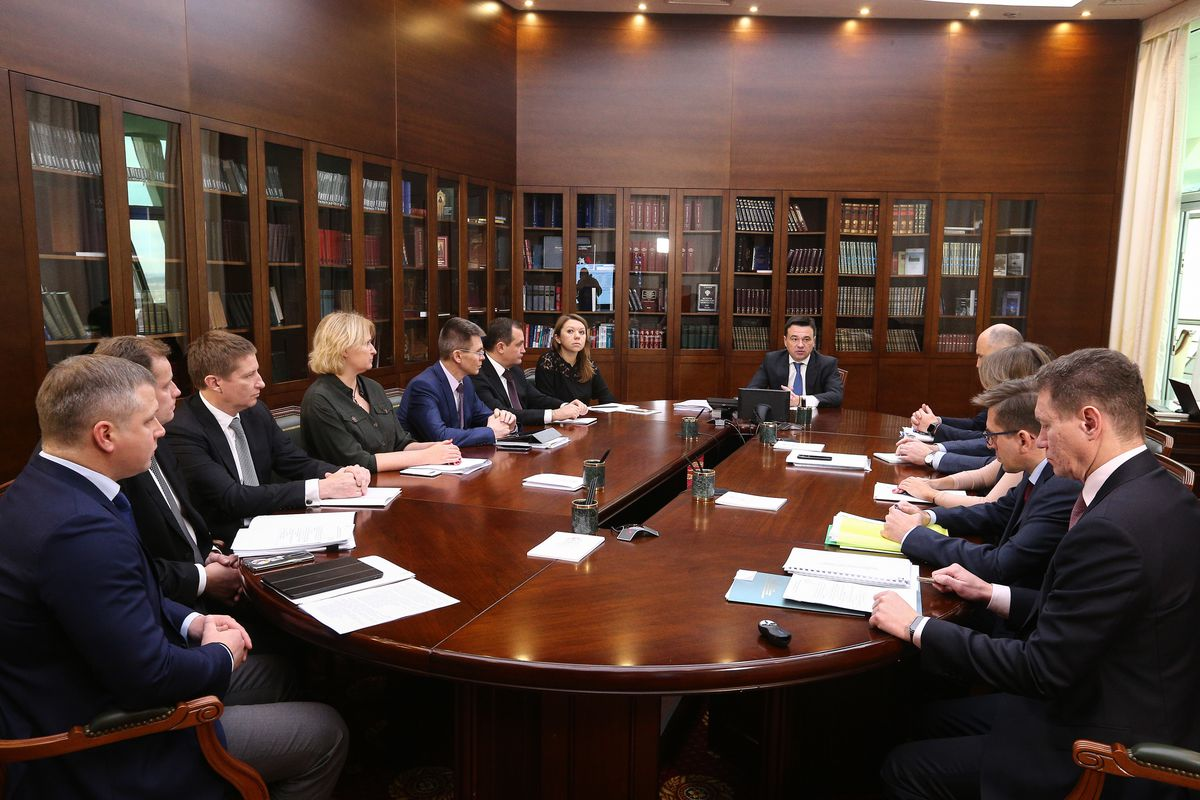 Андрей Воробьев губернатор московской области - Забота о старших и подготовка к сезону: что обсудили на совещании зампредов