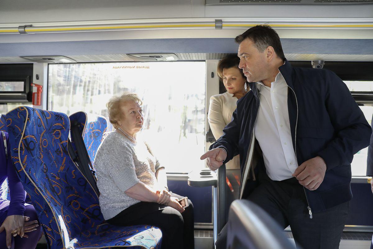 Андрей Воробьев губернатор московской области - Уровень комфорта в транспорте обсудили с губернатором жители Коломны