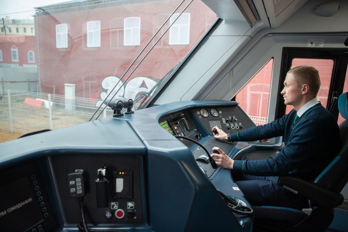 Андрей Воробьев губернатор московской области - Экономить на проезде и добираться быстро: губернатор проинспектировал ход работ к открытию МЦД