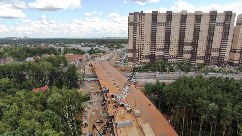 Проверка хода строительства путепровода в Реутове