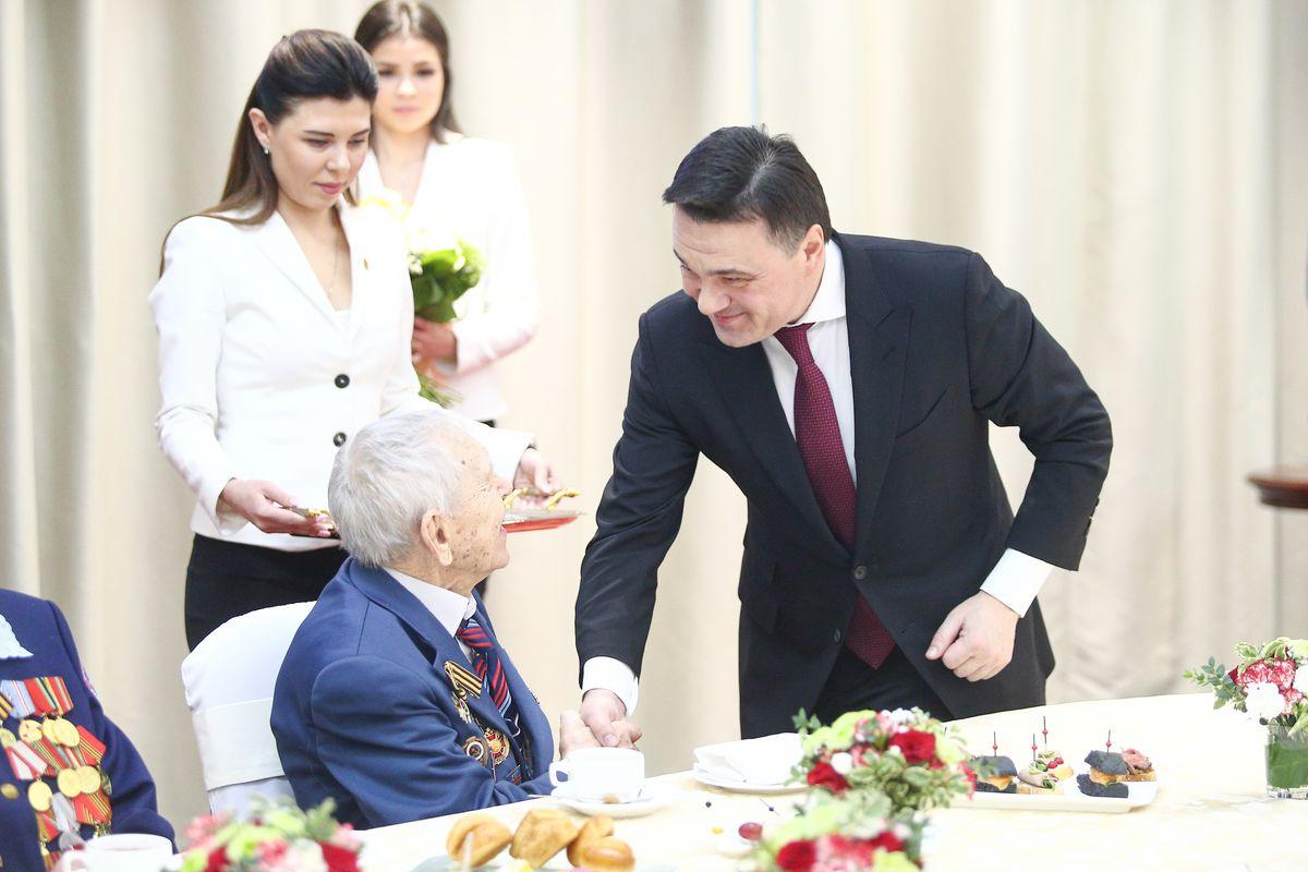 Андрей Воробьев губернатор московской области - Награда всегда найдет героя. Подмосковным ветеранам вручили медали