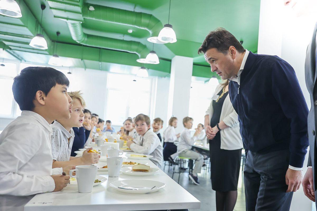 Андрей Воробьев губернатор московской области - Мини —  не значит ненастоящий: в Подмосковье открывают новые детские сады