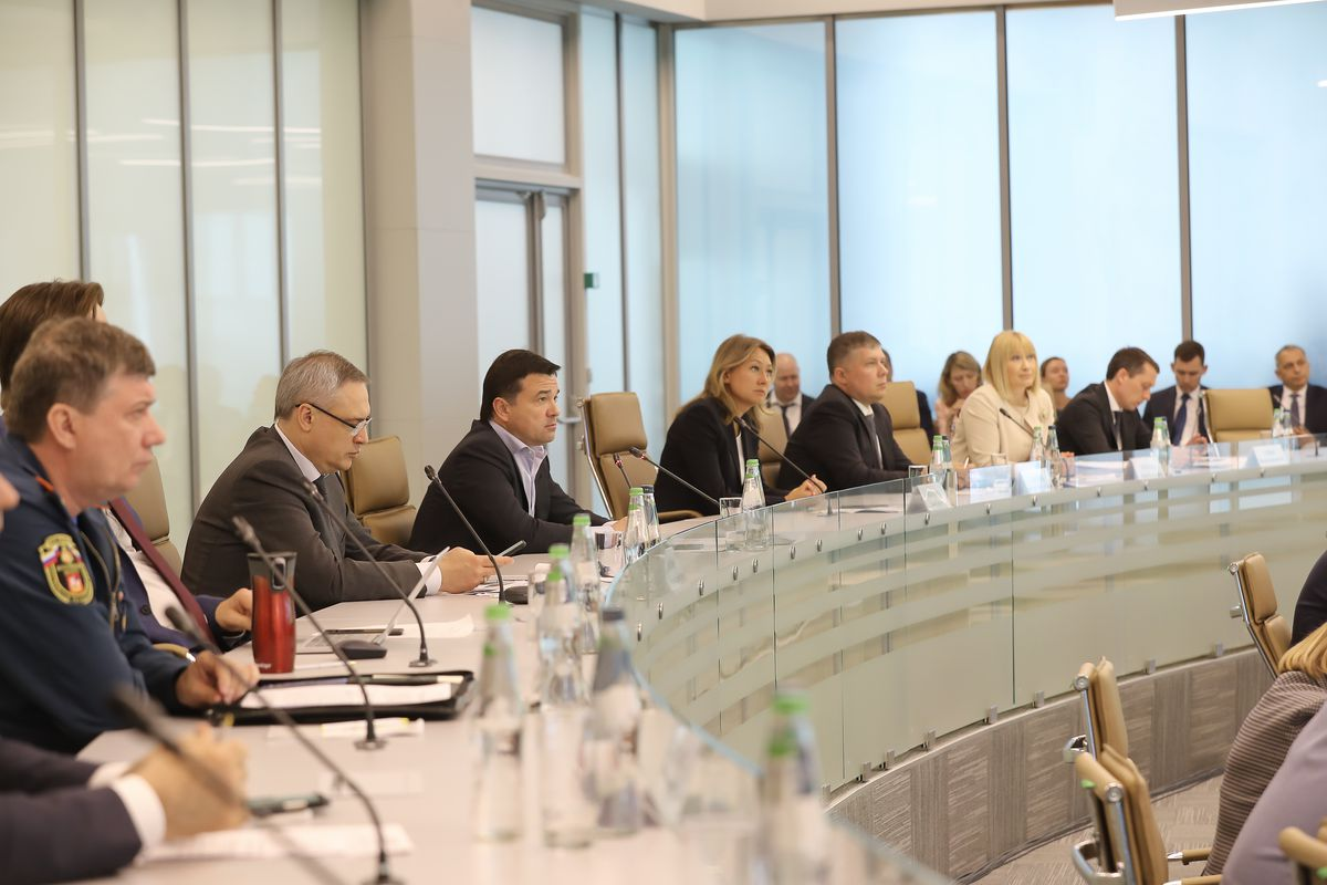 Андрей Воробьев губернатор московской области - Совещание на тему организации летнего отдыха в Подмосковье