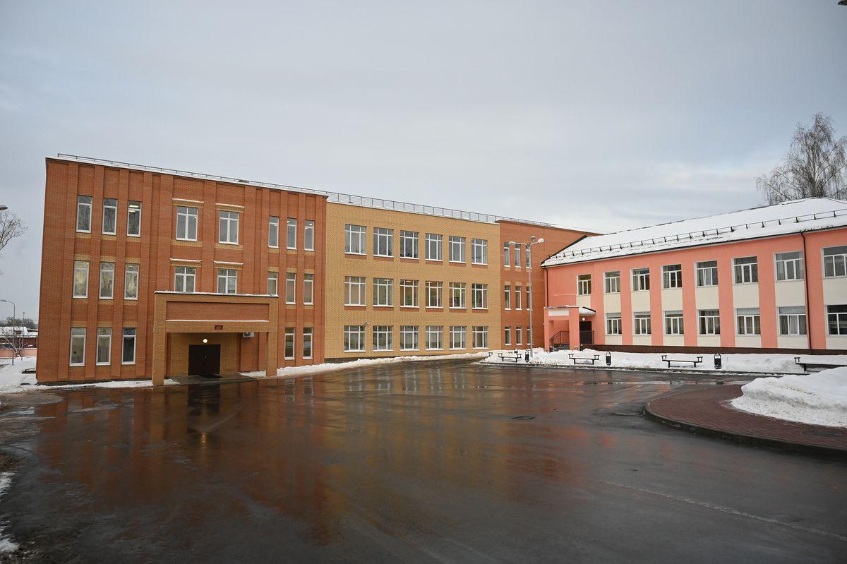 Андрей Воробьев губернатор московской области - Открытие новой пристройки к школе №3 в Истре