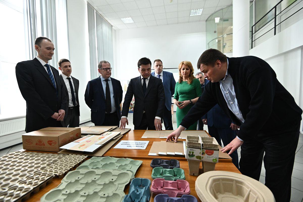 Андрей Воробьев губернатор московской области - Визит на предприятие «Хухтамаки» в Ивантеевке