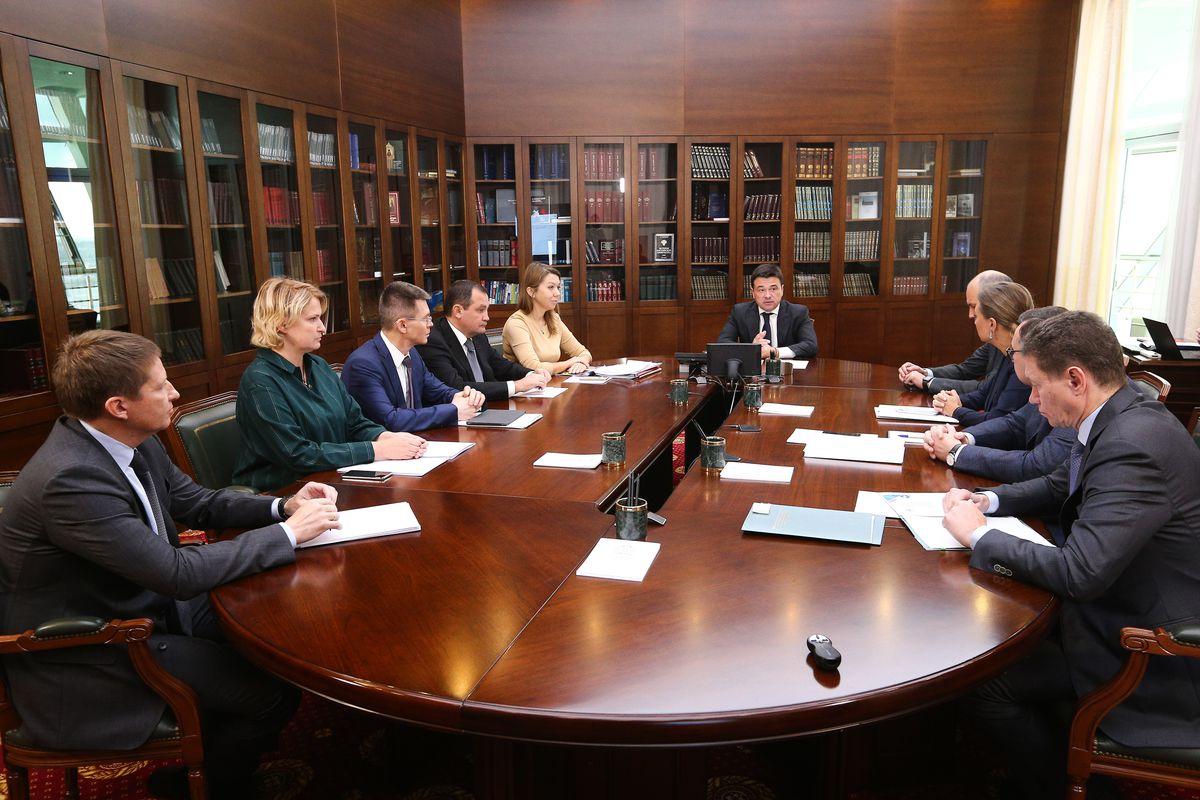 Андрей Воробьев губернатор московской области - «Активное долголетие», поддержка бизнесменов, отопительный сезон. Приоритетные направления работы обсудили с зампредами