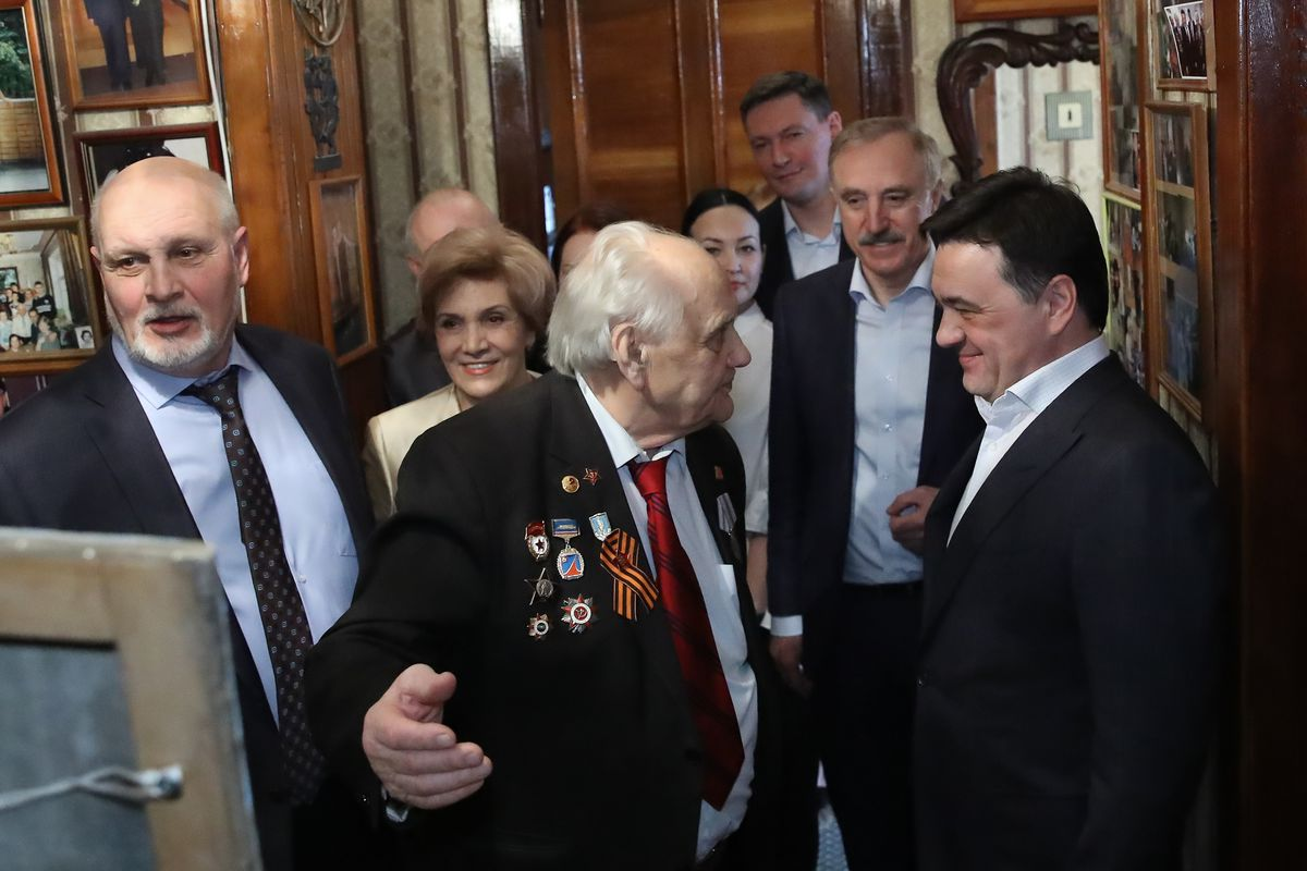 Андрей Воробьев губернатор московской области - После войны — за кисть. В Подмосковье празднует юбилей ветеран ВОВ