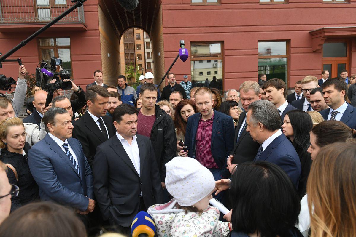 Андрей Воробьев губернатор московской области - Андрей Воробьев и Виталий Мутко выдали ключи дольщикам Urban Group