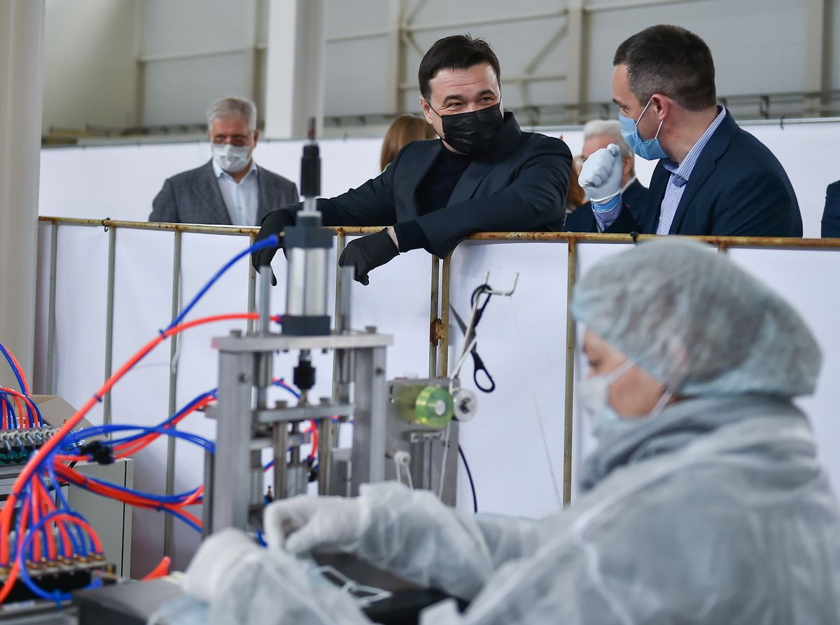 Андрей Воробьев губернатор московской области - Герои носят маски. Как в Подмосковье делают средства защиты от коронавируса