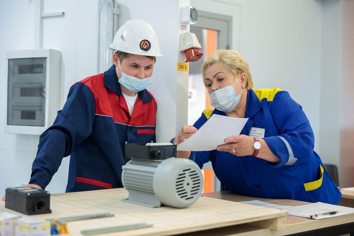 Андрей Воробьев губернатор московской области - Не заходя на биржу труда: как готовят кадры в Подмосковье