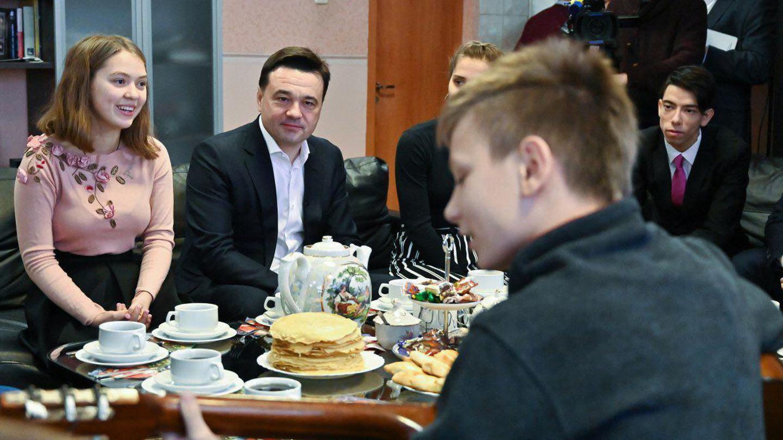 Андрей Воробьев губернатор московской области - Через «Адапт-квартиры» к взрослой жизни: как в Подмосковье помогают детям-сиротам