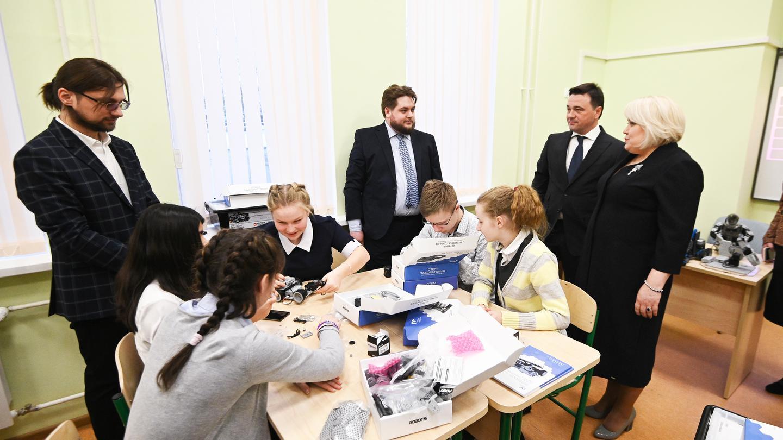 Андрей Воробьев губернатор московской области - 24 новые школы — планы по ликвидации второй смены в 2019 году