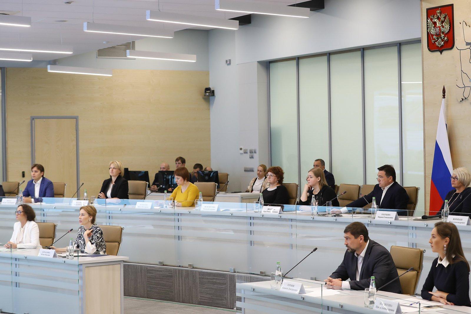 Андрей Воробьев губернатор московской области - Решаем любые проблемы: встреча с жителями в ЦУРе