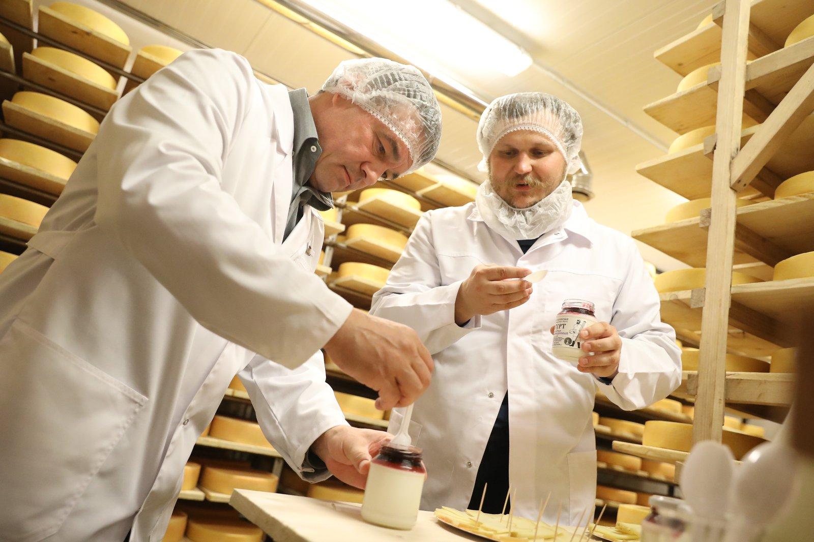 Андрей Воробьев губернатор московской области - Андрей Воробьев проверил подготовку к сырному фестивалю