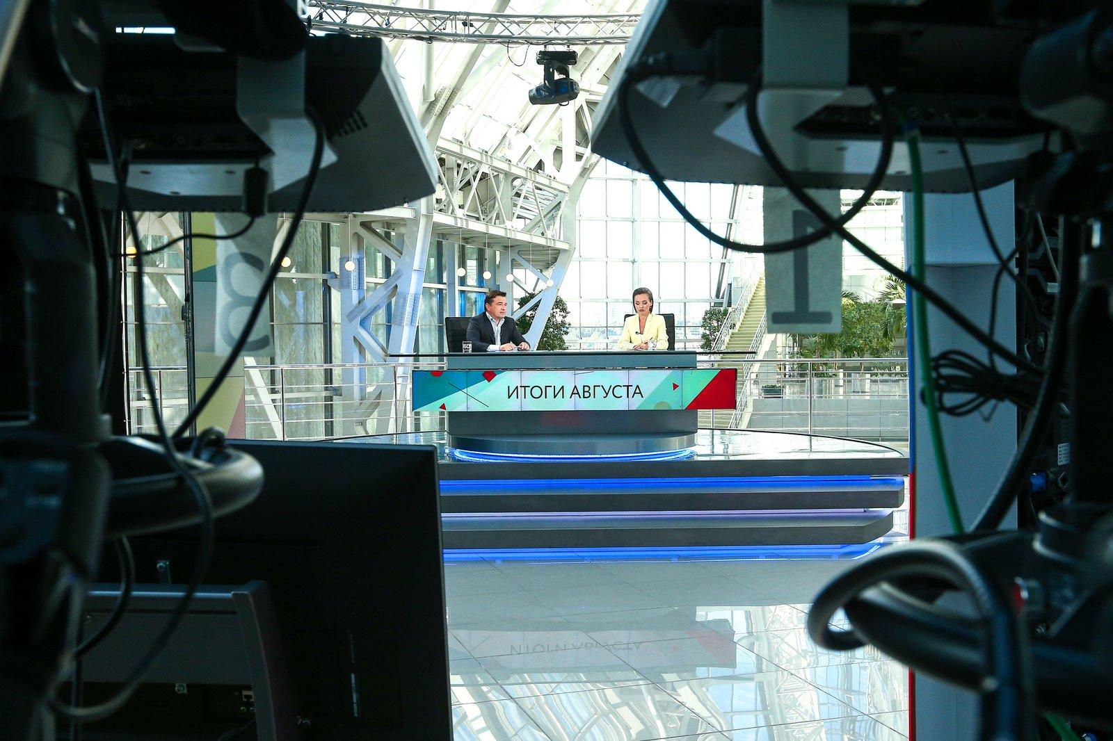 Андрей Воробьев губернатор московской области - Новая услуга в роддомах, авиасалон МАКС и готовность школ: что обсудили во время эфира «360»