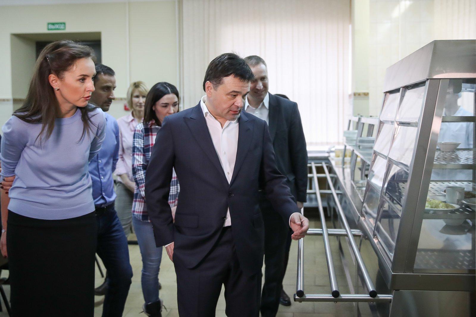 Андрей Воробьев губернатор московской области - Нет — второй смене, да — горячему питанию. Как в Подмосковье развивается система образования
