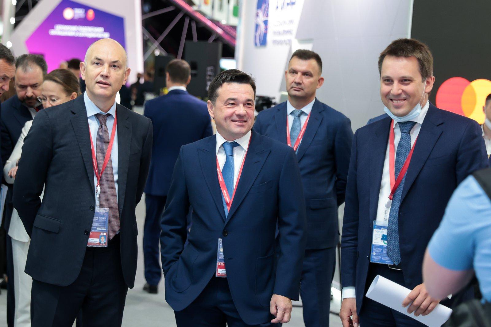Андрей Воробьев губернатор московской области - Итоги первого дня ПМЭФ-2021: инвестиции в цифровизацию, сотни рабочих мест и новые производства