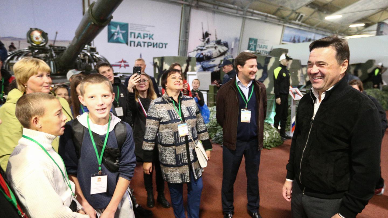 Андрей Воробьев губернатор московской области - Дети из Иркутской области посетили парк «Патриот»